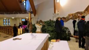 Príprava vianočného stromčeka a Betlehemu (23.12.2019)